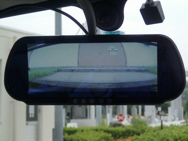 レンタルトラックにバックカメラ&ミラーモニター取り付け | 36 ...
