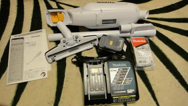 マキタ(Makita) 充電式クリーナー18V バッテリー・充電器付(紙パック式・ワンタッチスイッチ) CL182FDRFW