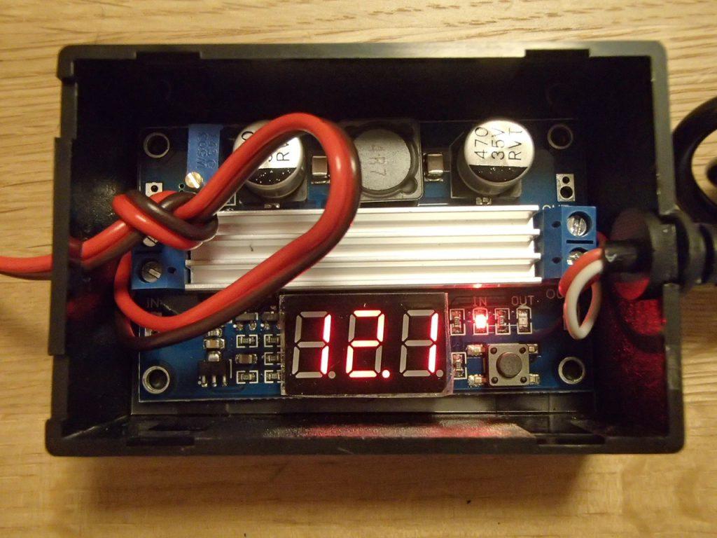昇圧型DCコンバータ入力電圧を表示
