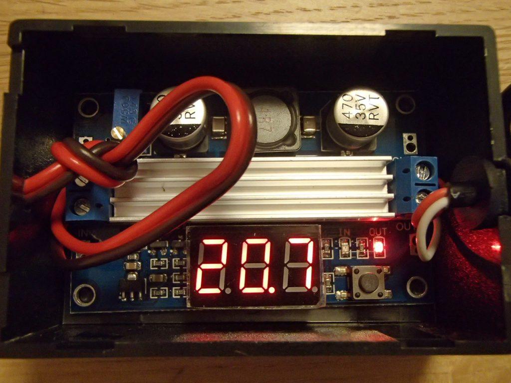 昇圧型DCコンバータ出力電圧を表示
