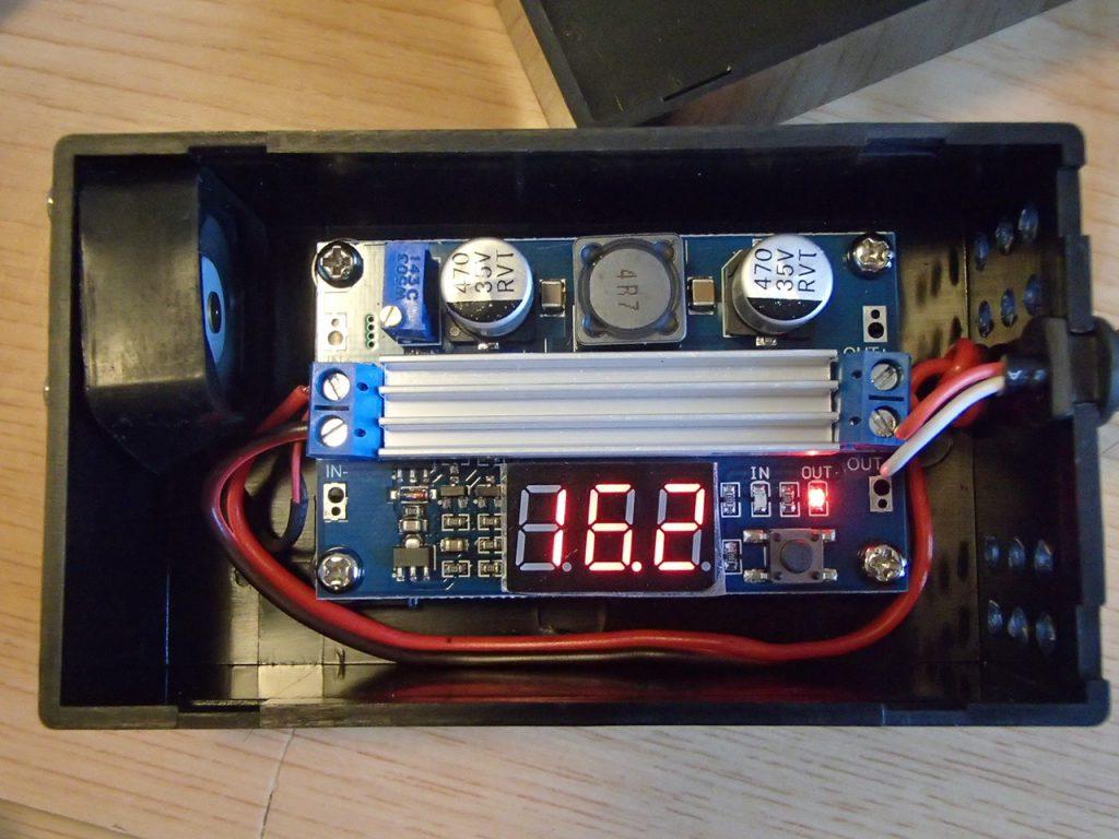 自作昇圧型DCコンバータインバーター車内でのノートPC運用